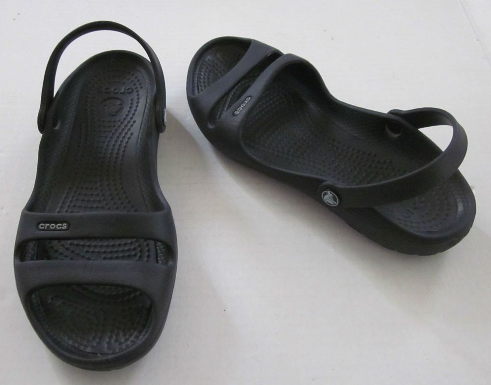 Crocs Women S Black Slip On Back Strap Beach Sandals Size 8 Women Shoes Black Slip Ons Beach Sandals