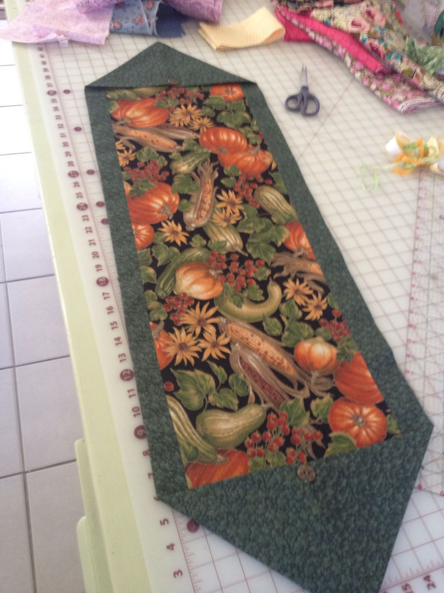 10 Minute Table Runner 10 Minute Table Runner Fall Table Runners Quilted Table Runners Patterns
