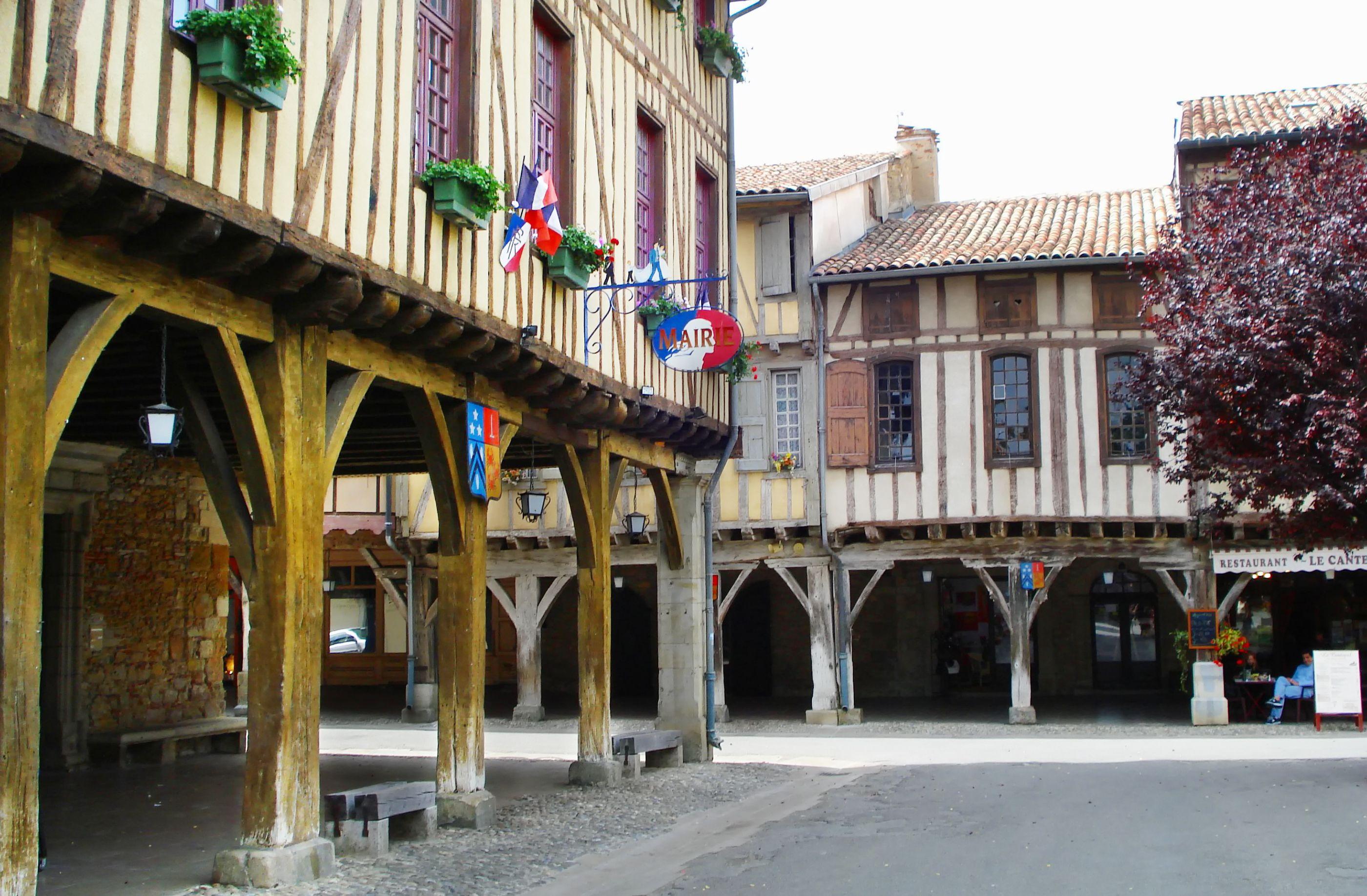 Das ist mirepoix plz seite liste. Mirepoix, France | Beautiful