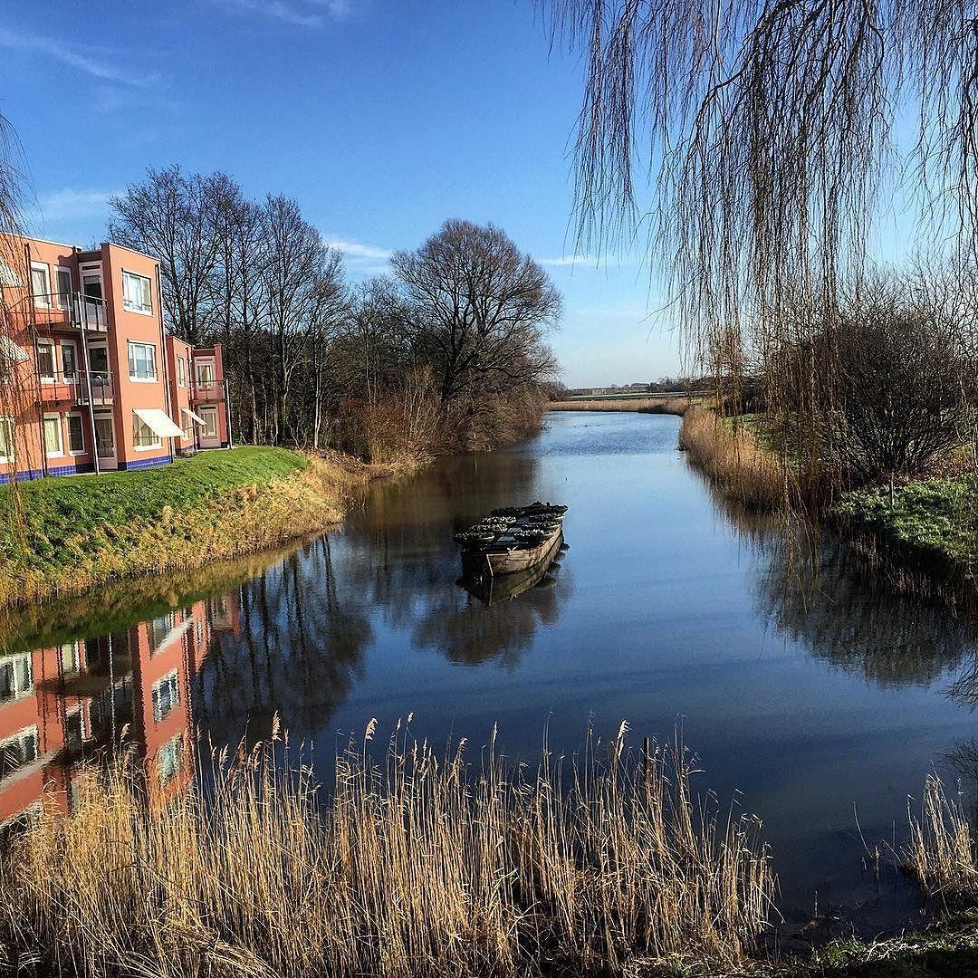 #aboutyesterday #bluesky #clouds #sun #boat #flowers #trees #landscape_captures #landscapephotography #nature_perfection #mirror #reflection #ig_discover_holland #super_holland #instanetherlands #uwn_holland #reflectie #enjoythelittlethings #PIXZeeland #omroepzeeland #pzcfoto #lovezeeland by rootje_37
