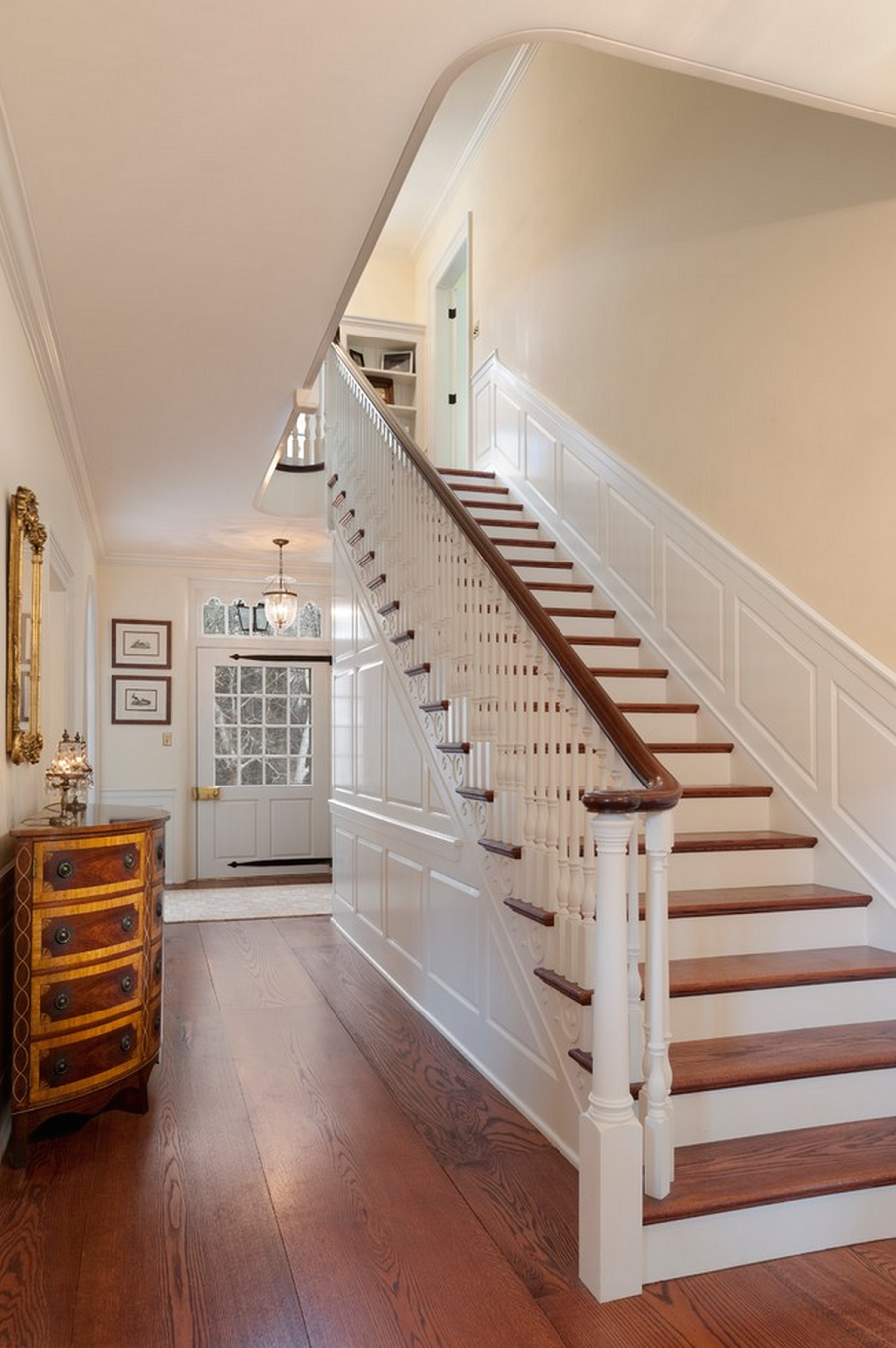 Hardwood Stair Treads Is Classic And Also Stylish On Home Interior Design  With Hardwood Stair Treads