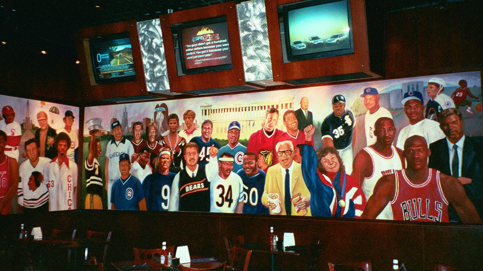 Chicago Sports Legends Mural At The Espn Zone My Kind Of Town Chicago Sports Favorite City