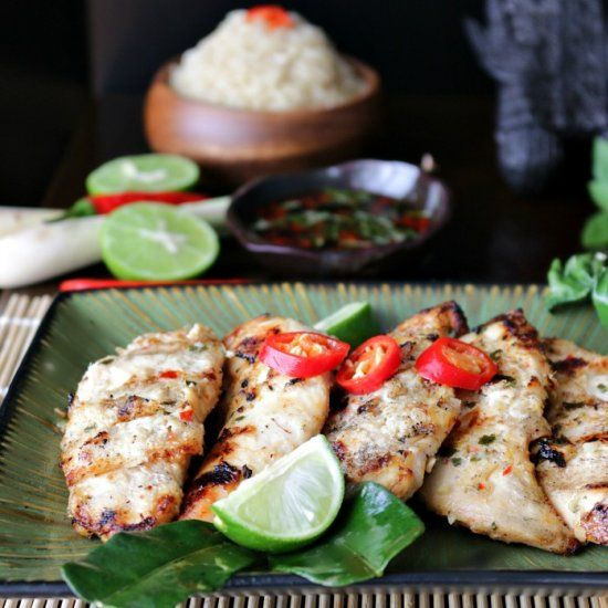 Chicken tenderloins marinated in a bath of aromatic Thai spices and herbs with spicy sauce