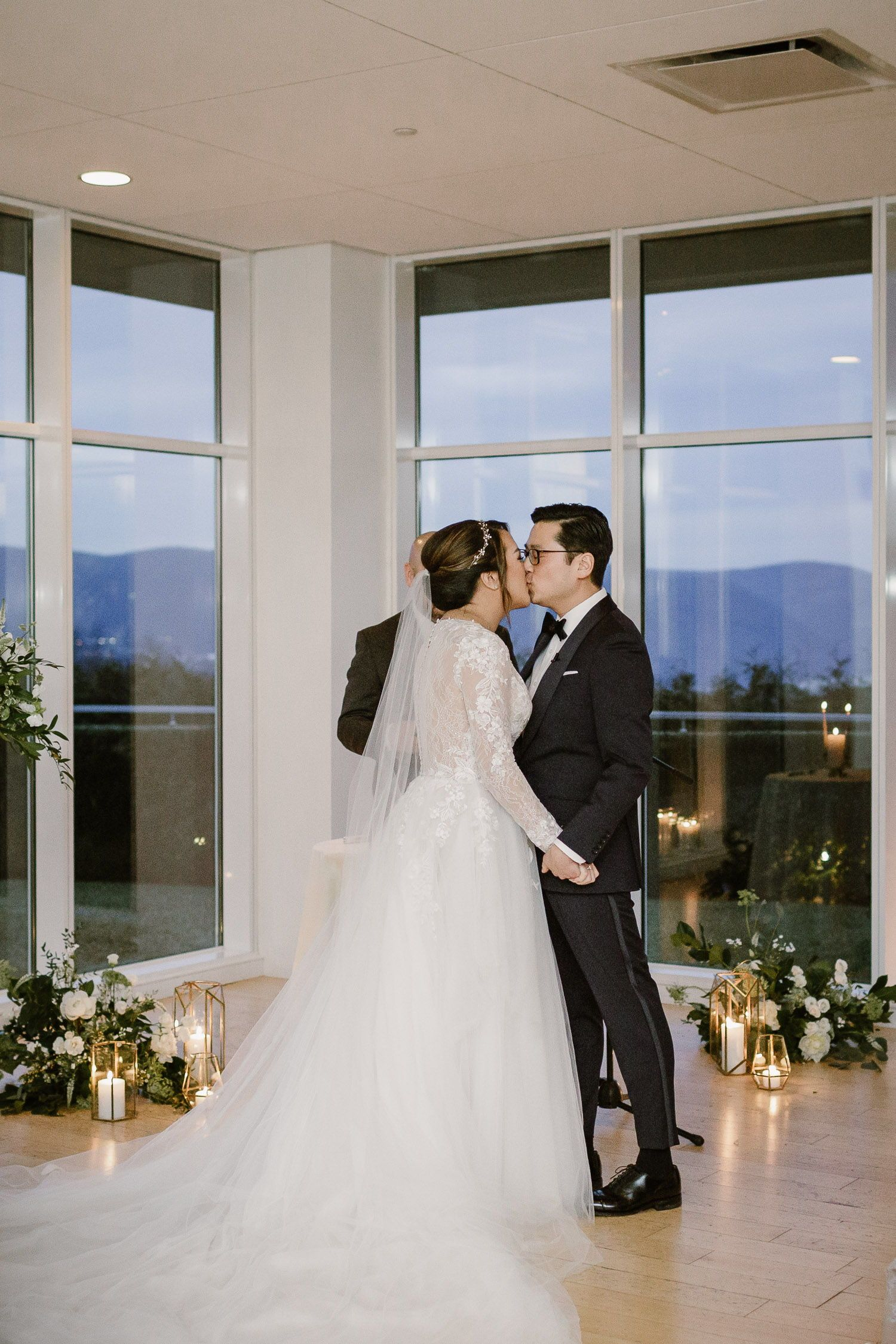 The Garrison Wedding New York Wedding Photographer Monika Eisenbart In 2020 Hudson Valley Wedding White Winter Wedding Winter Wedding Photos