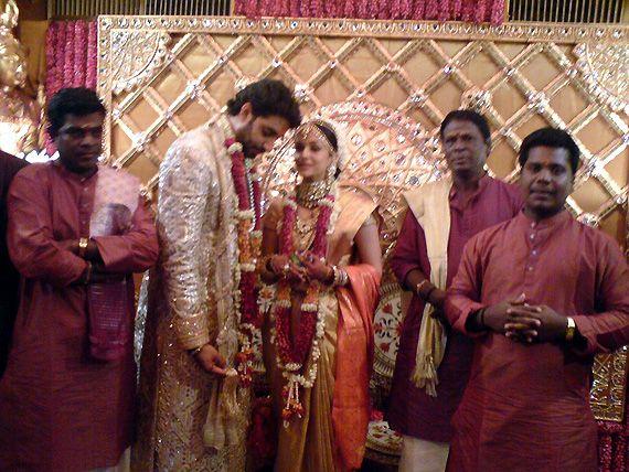 Aishwarya Rai Journey From Miss World To Bachchan Bahu See Pics Wedding Couple Poses Photography Baby Fashion Newborn Celebrity Weddings