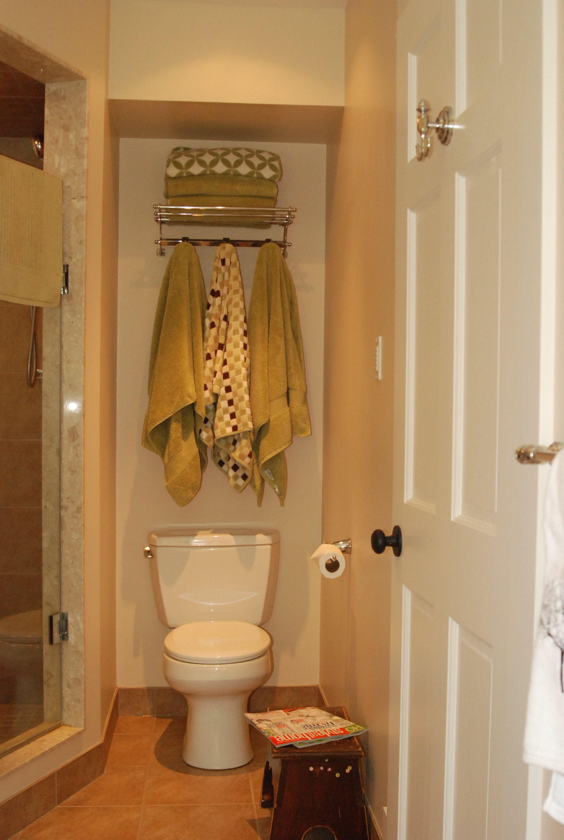 Could store towels above toilet | N>H> Bathrooms | Pinterest ...