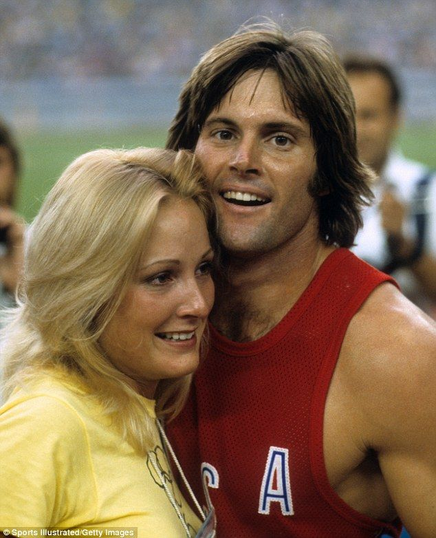 Bruce Jenner Wed Three Glamorous Women Despite Knowing He -7211