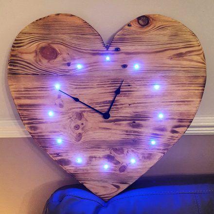 Pallet Heart Clock
