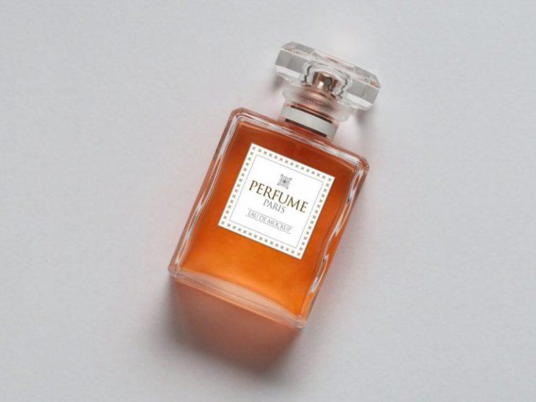 Download Free Scent Perfume Bottle Mockup Free Package Mockups Perfume Perfume Body Spray Bottle Mockup