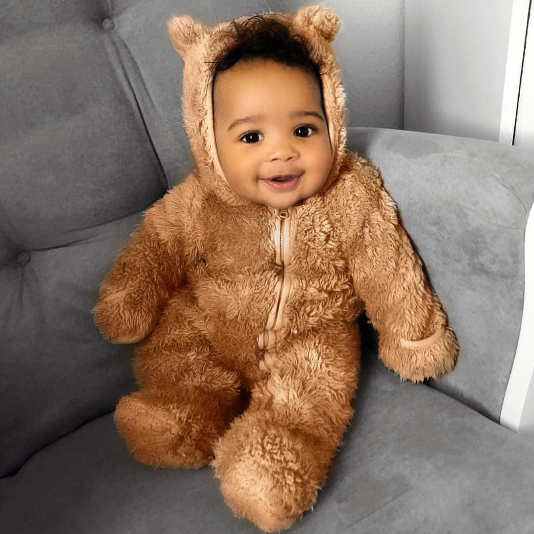 Adorable Baby Halloween costumes that will make you go awww... There's something so fun about adorable babies in Halloween costumes! These pictures of Halloween Baby Costumes are sure to make you smile... . . #momalot #momlife #halloween #babyhalloween