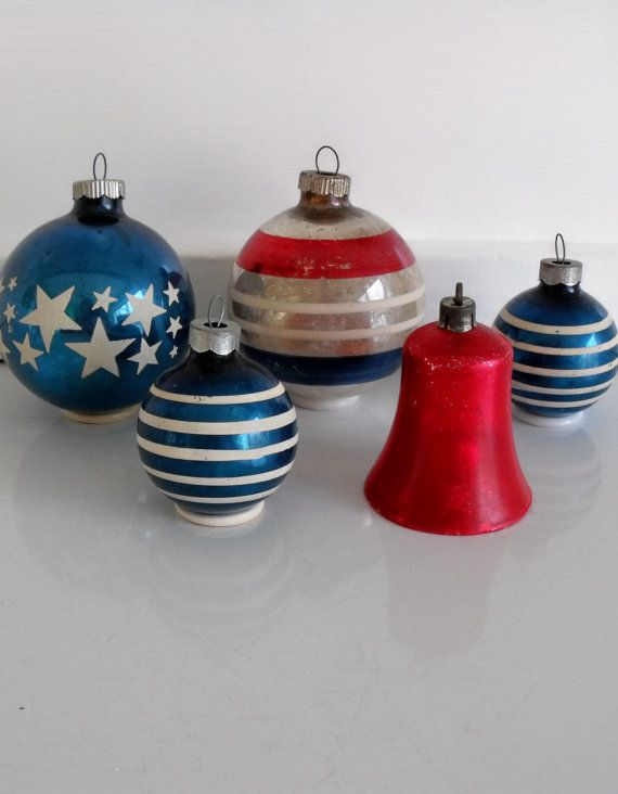 Stars and stripes - 5 vintage glass Christmas ornaments in red