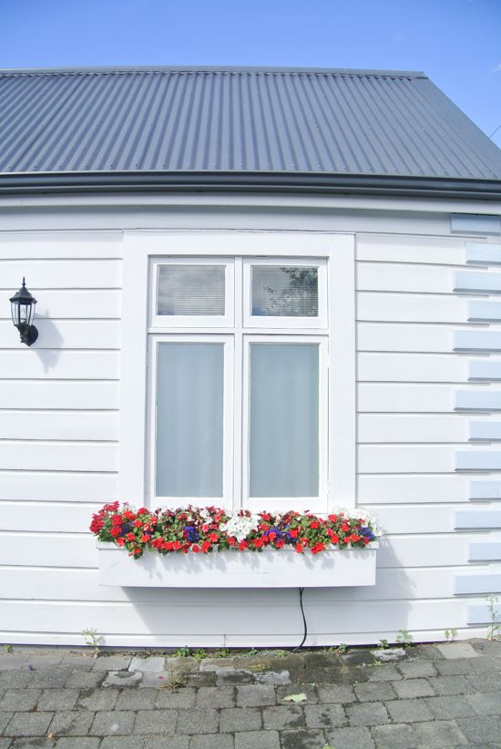 Nelson (New Zealand) and Wooden Cottages - architecture - british - town - village