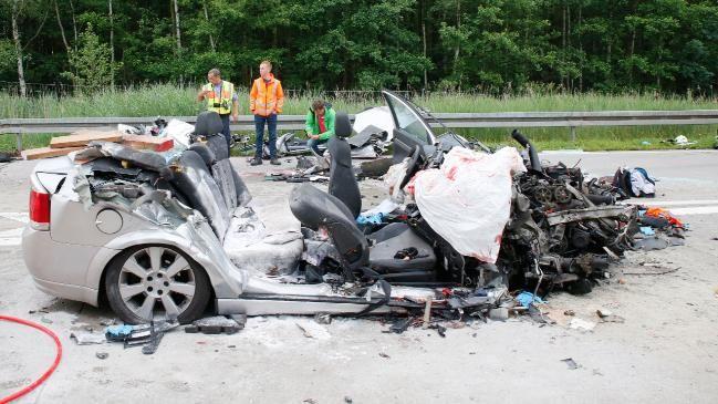 Drei Manner Starben In Diesem Autowrack Autos Unfall Lkw