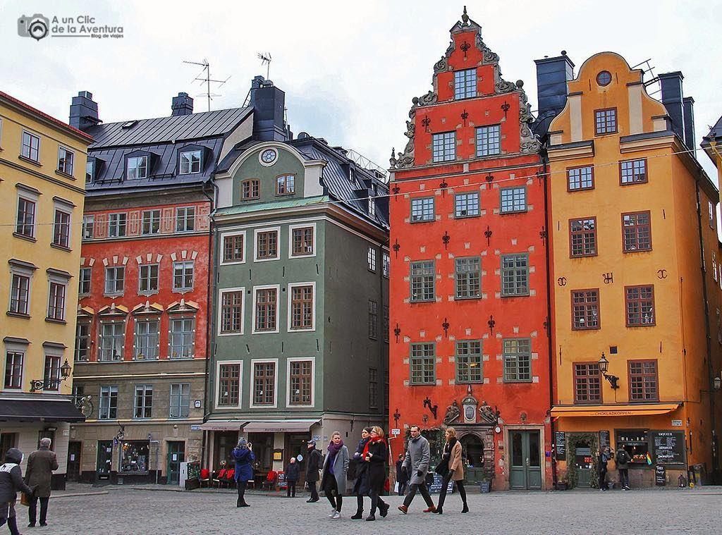 Me Encantan Las Casas De Colores De Estocolmo Sobre Todo Las De La Plaza Stortorget En Gamlastan Son Tan Bonitas Estocolmo Estocolmo Suecia Suecia