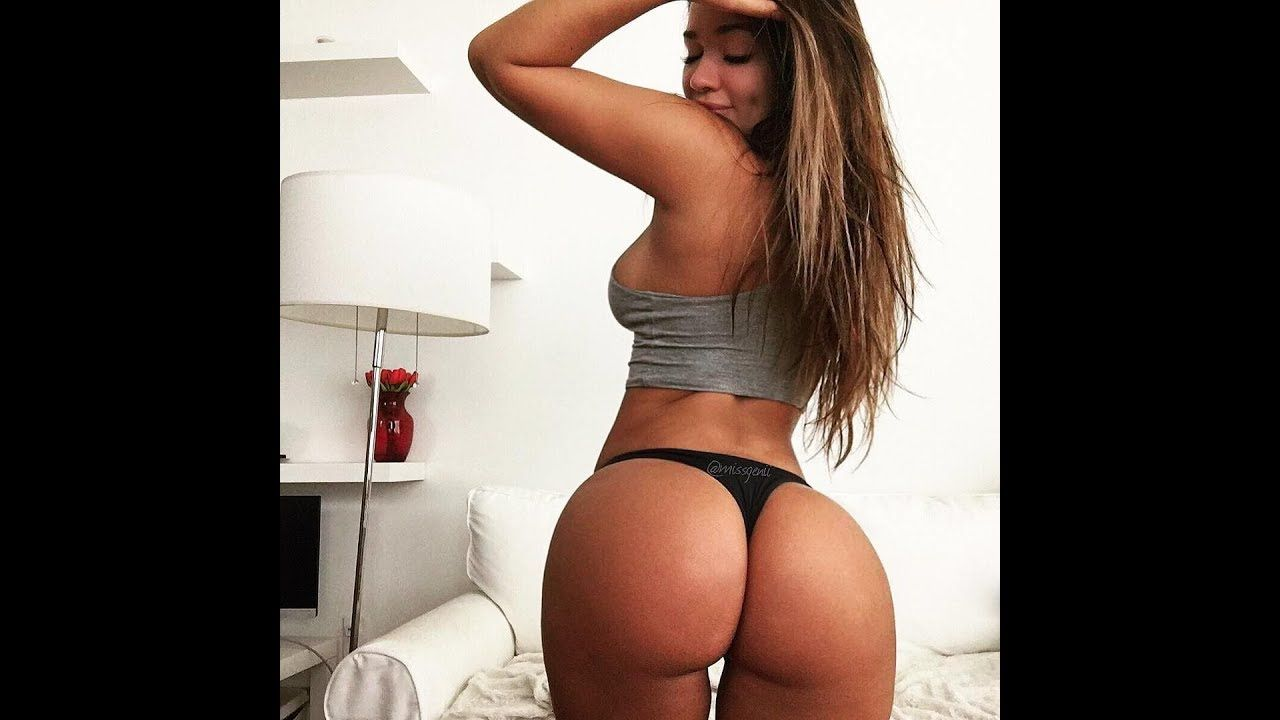 sexy girl twerking