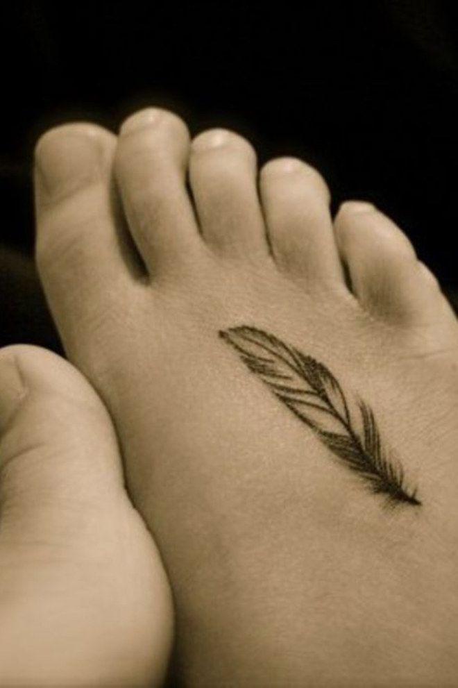 50 tatouages de plumes tout en d licatesse tatouage. Black Bedroom Furniture Sets. Home Design Ideas