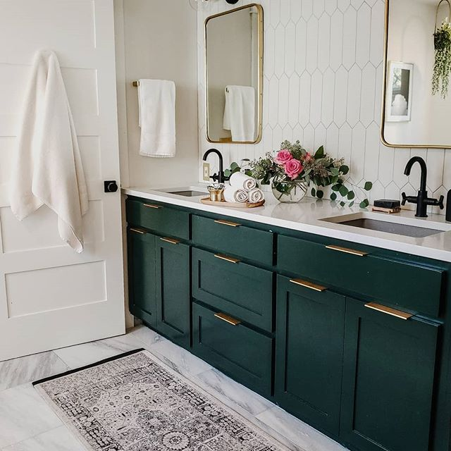 Green Paint Colors 2020 Interiors By Color Benjamin Moore Essex Green Paint Color Green Bathroom Green Vanity Bathroom Design Decor