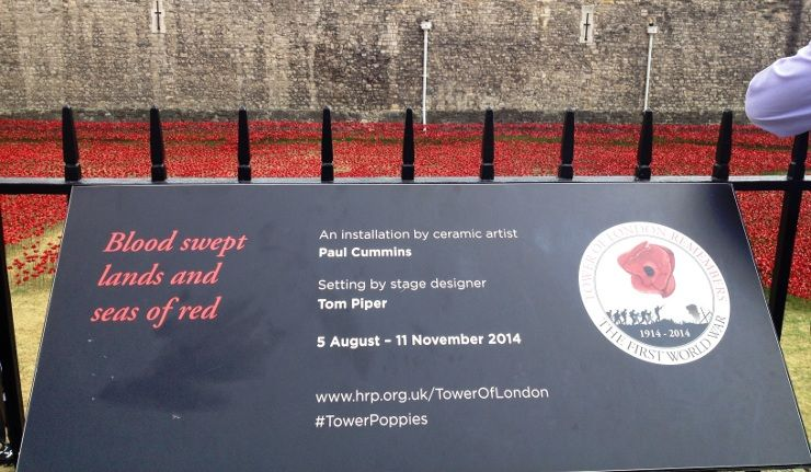 Blood Swept Lands And Seas Of Red Commemoration Placard At The - Tower of london river of poppies