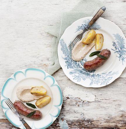Vildsvinskorv med salvia, bakad rotselleri och champinjoncrème