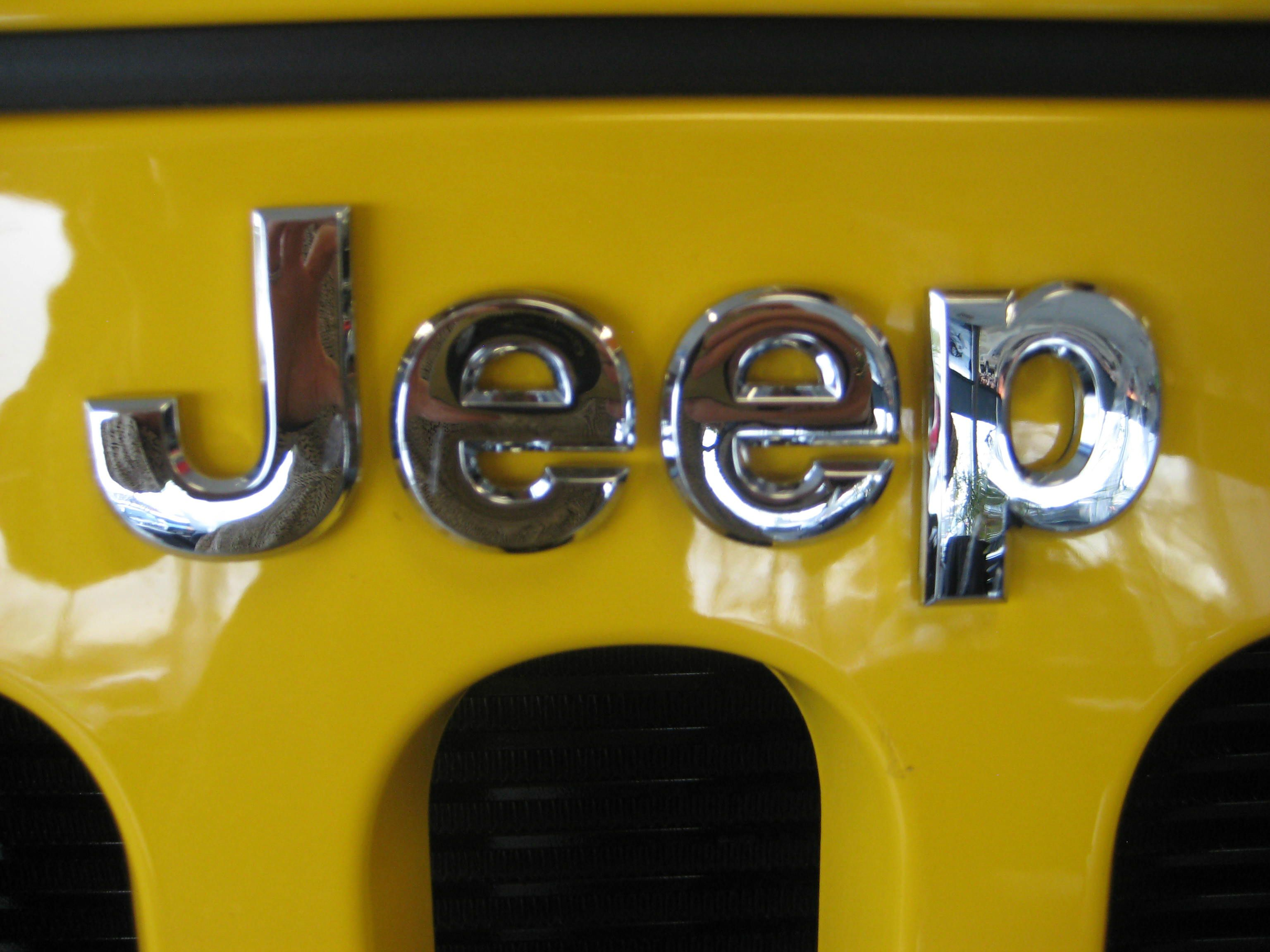 It S A Jeep Thing Click And Find Yours Jeep Suv Jeep Cars Yellow Jeep Wrangler