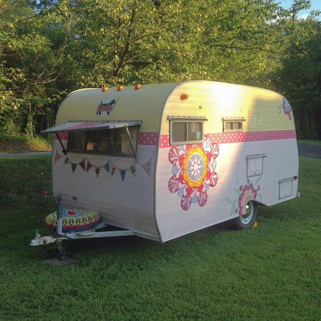 retro rv seller lists rvs pinterest caravane vintage caravane and vintage. Black Bedroom Furniture Sets. Home Design Ideas