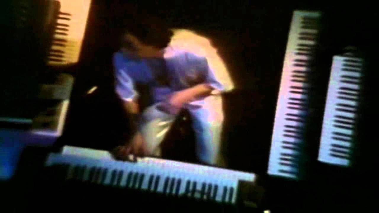 ELO Electric Light Orchestra - Sweet Talkin' Woman.this is another one of my ELO favorites!