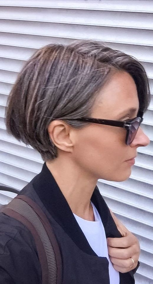 Pin By Silvana Saires On Grey Grace Grey Hair Don T Care Growing Out Short Hair Styles Gray Hair Growing Out