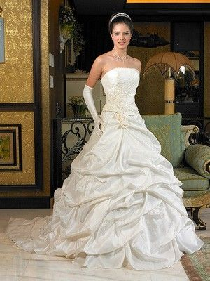 Taffeta 2012 luxuriöse Brautkleider mit geschichteten Rüschen