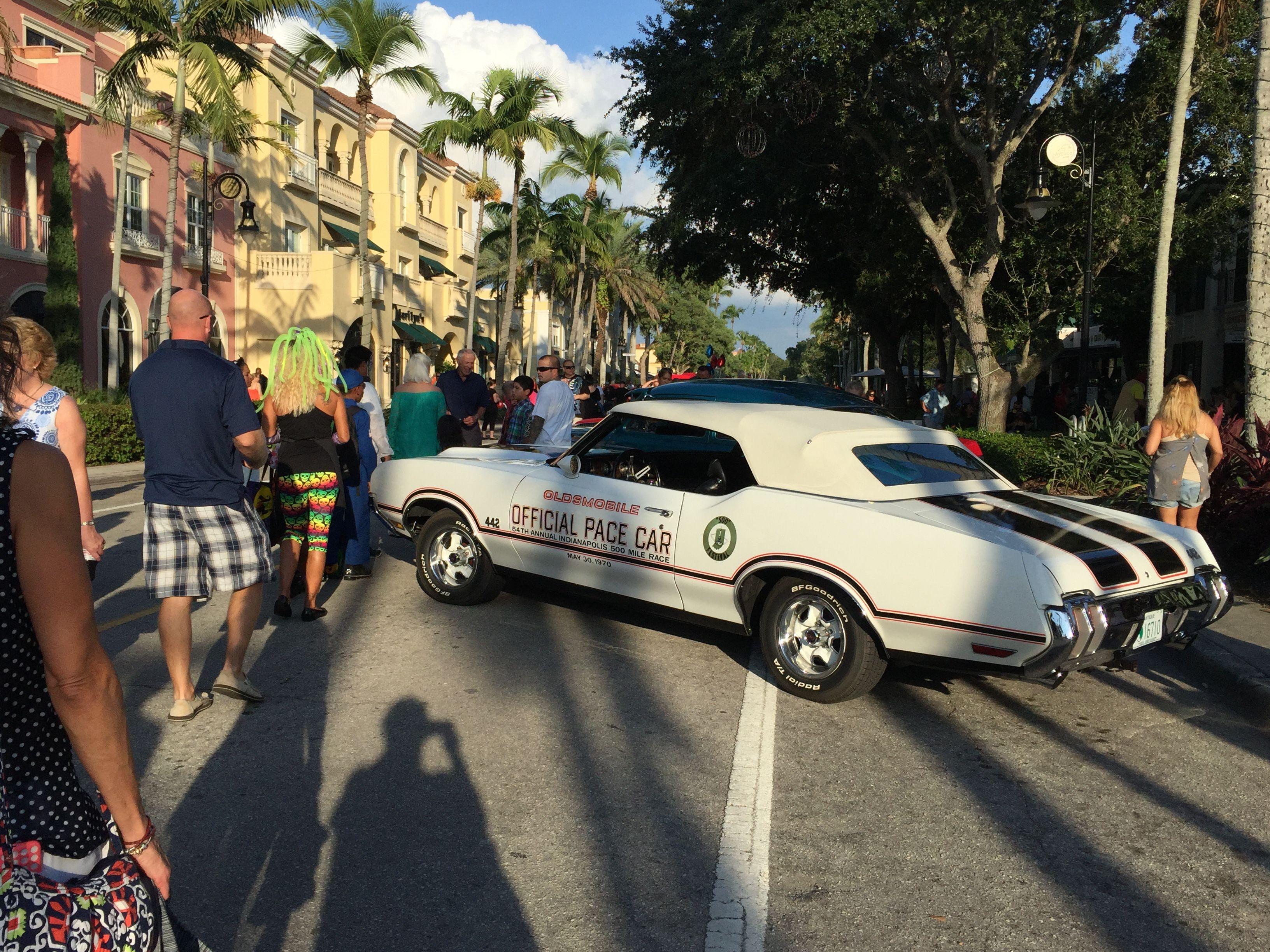 Halloween Car Show On Th Ave Naples FL Naples Florida - Car show naples fl today