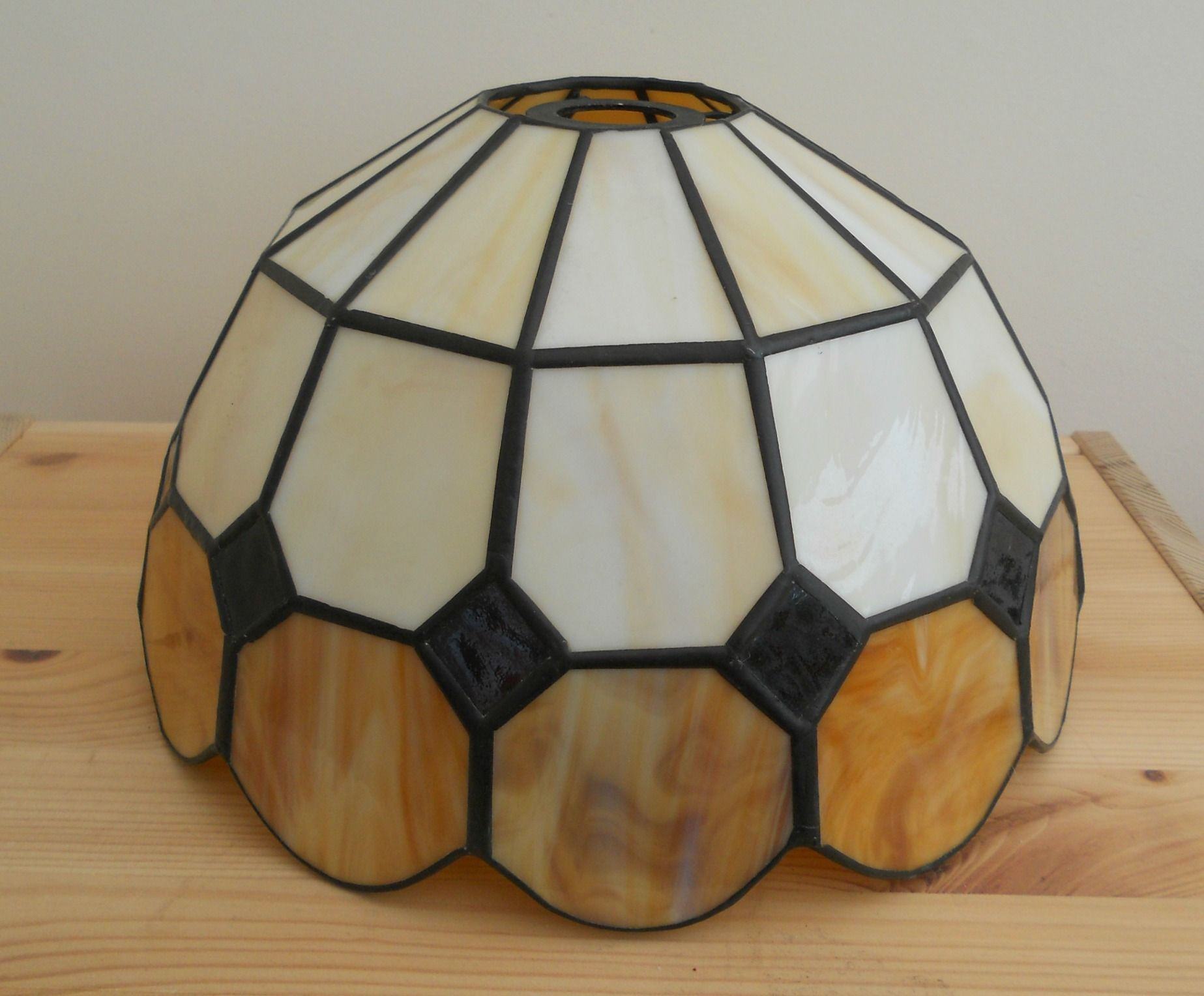 LARGE GLASS & LEAD TIFFANY STYLE LAMPSHADE ~ SOLD ON MY EBAY SITE LUBBYDOT1