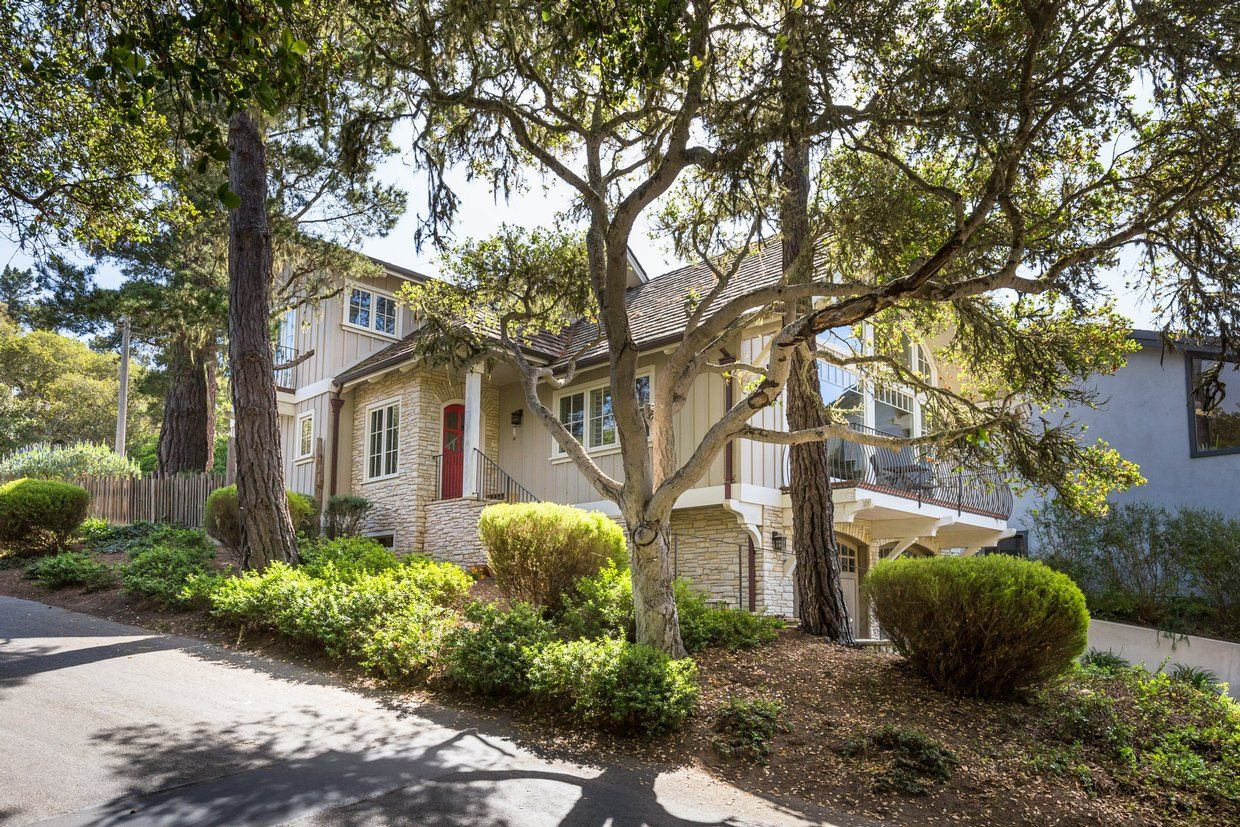 Gate House Carmel By The Sea Vacation Home Detail 3 Bedrooms Bathrooms Realty Company