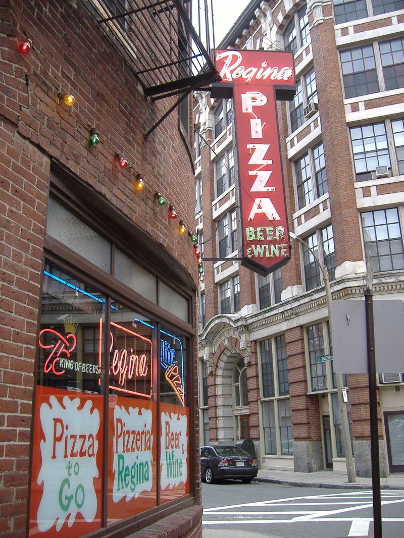 Pizzeria Regina - North End, Boston. Best pizza. love love ...
