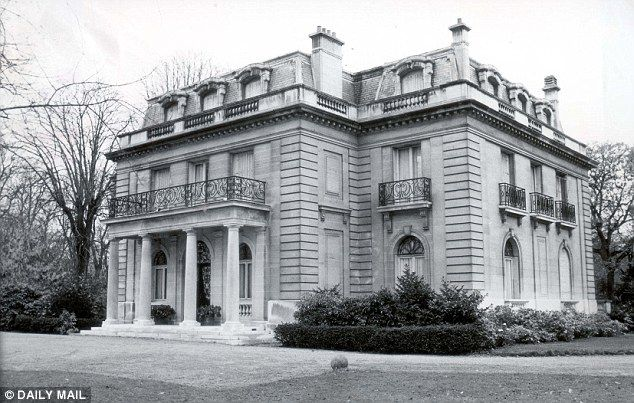 The 'Villa Windsor' is a mansion located in Paris, France