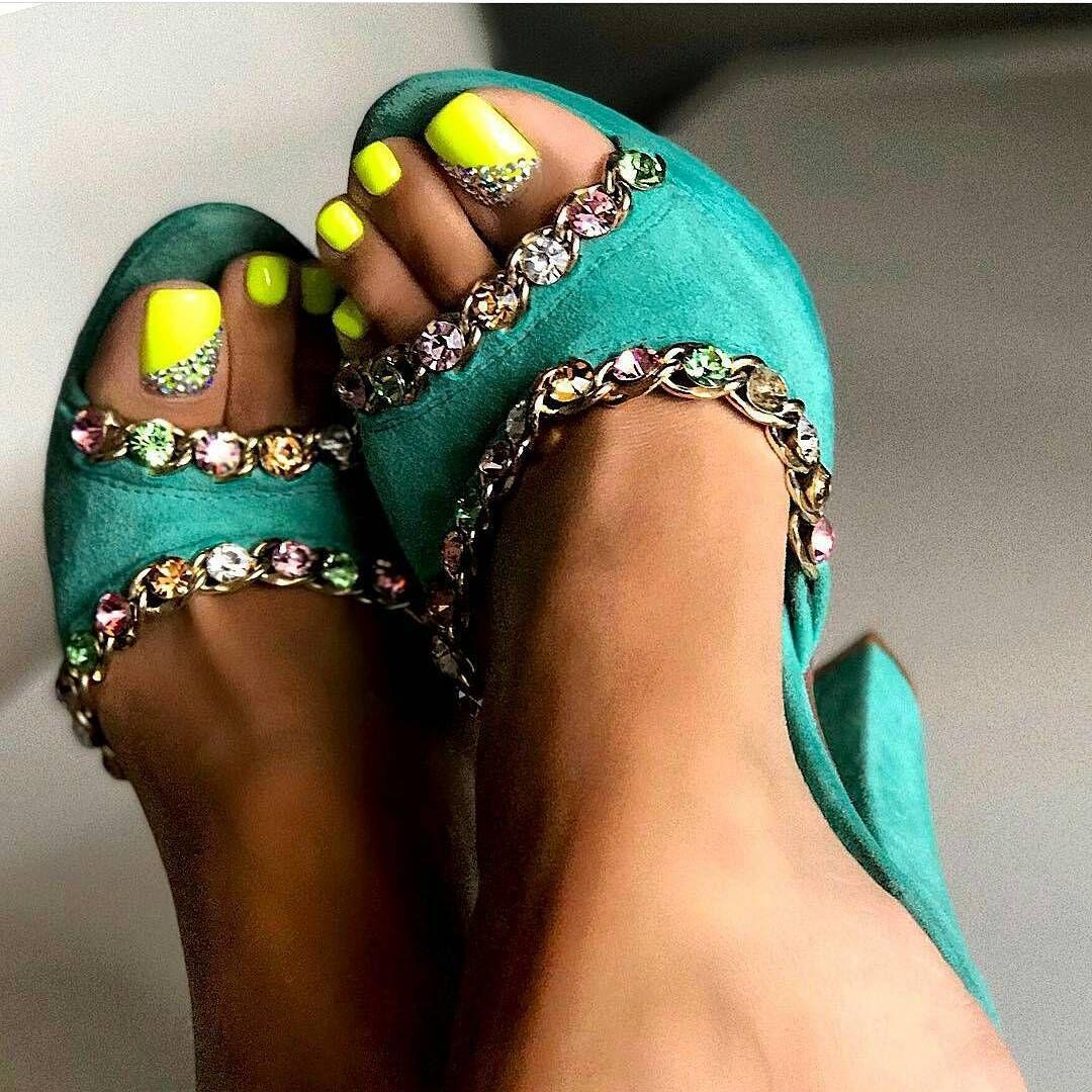 Feet Nita Kuzmina nude (28 images), Cleavage