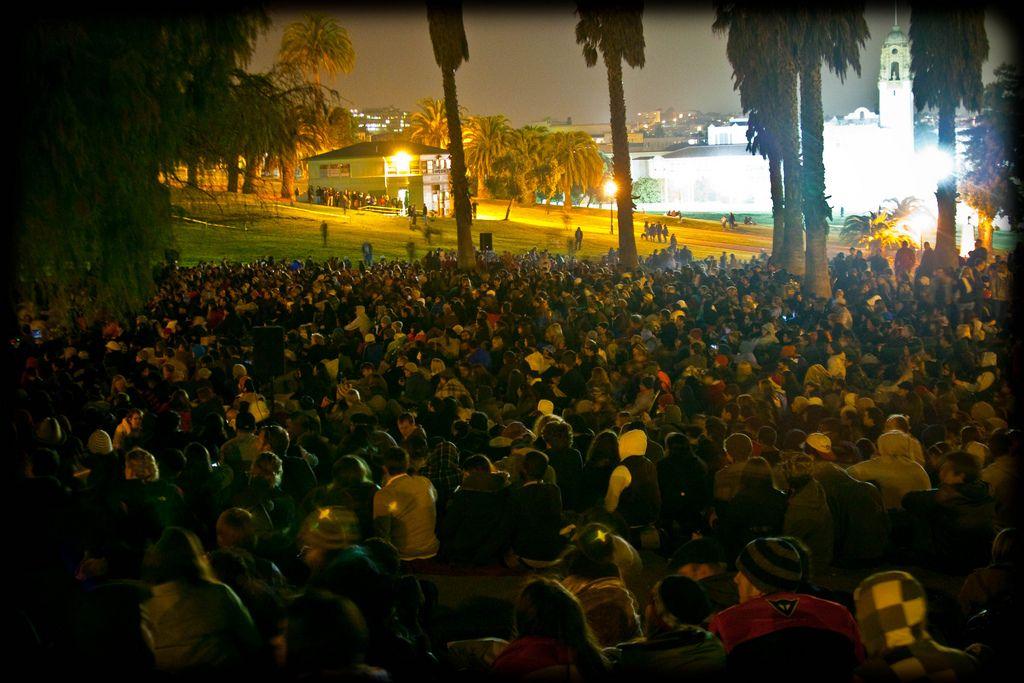 Movie night in Dolores Park , SF. Park, Dolores park