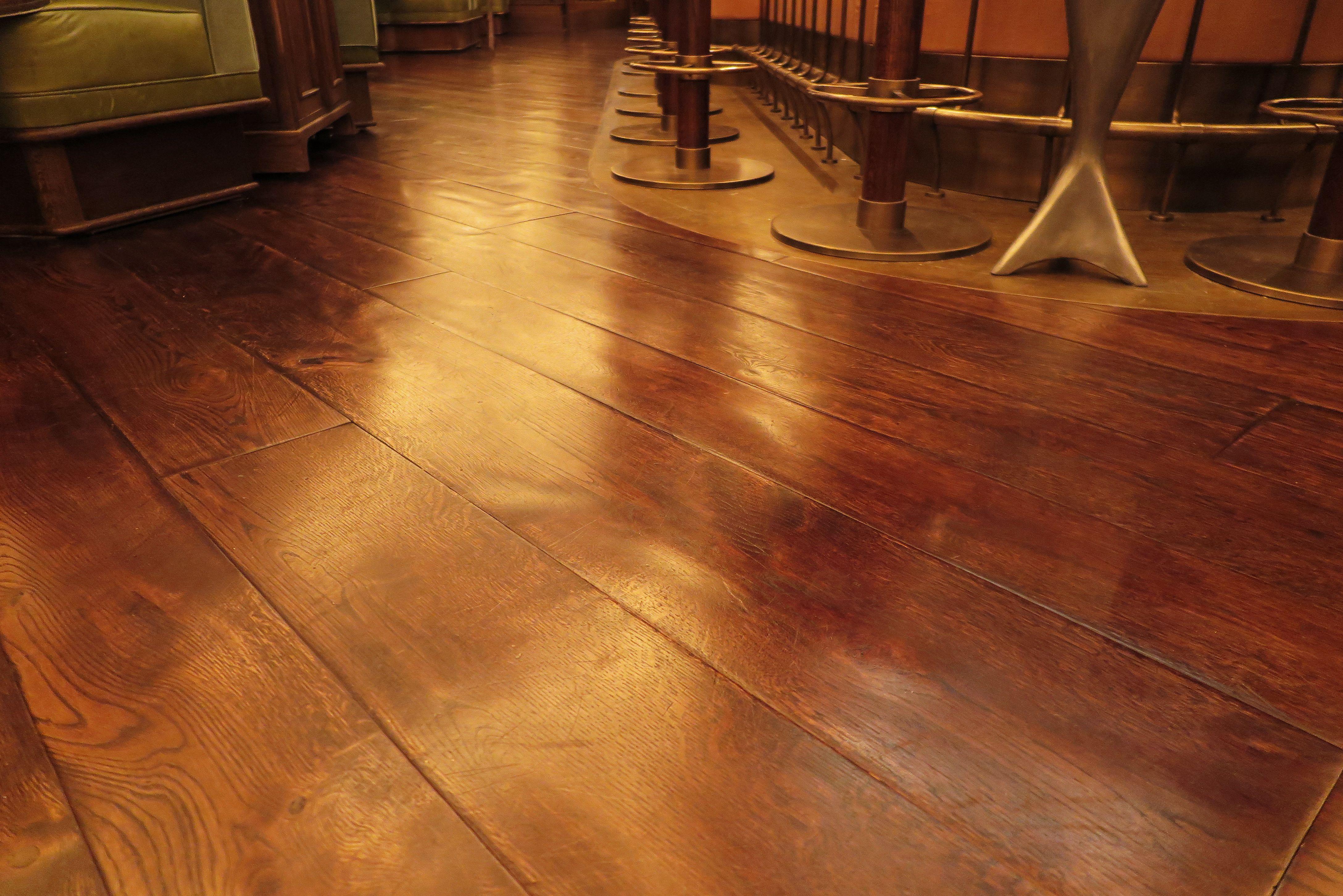 Traditional Antique Oak Floors