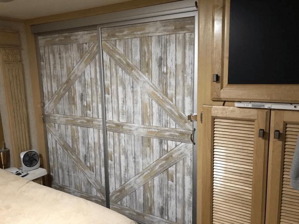 Where To Get Rid Of A Sleeper Sofa Oversized Sectional 12 Mirror Closet Sliding Door Makeover Ideas | Diy Doors ...