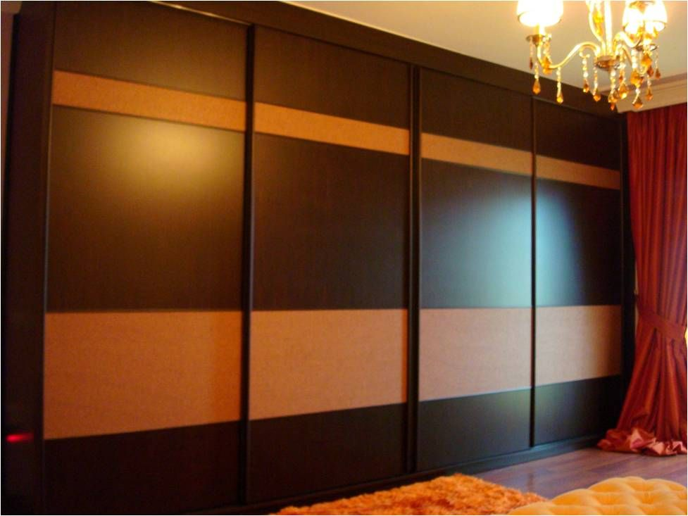 Suggest some colours for wall almirahs in the bedroom - Bedroom wall closet designs ...
