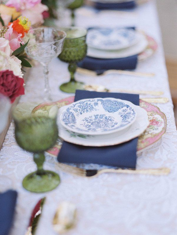 Latest Vintage wedding place setting idea vintage reception decor with vintage plates and navy napkins Query Events Elegant - Cool navy napkins Picture