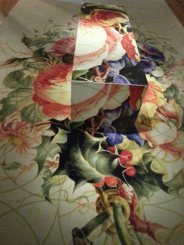 bankje doorgeschilderd in thema vloer