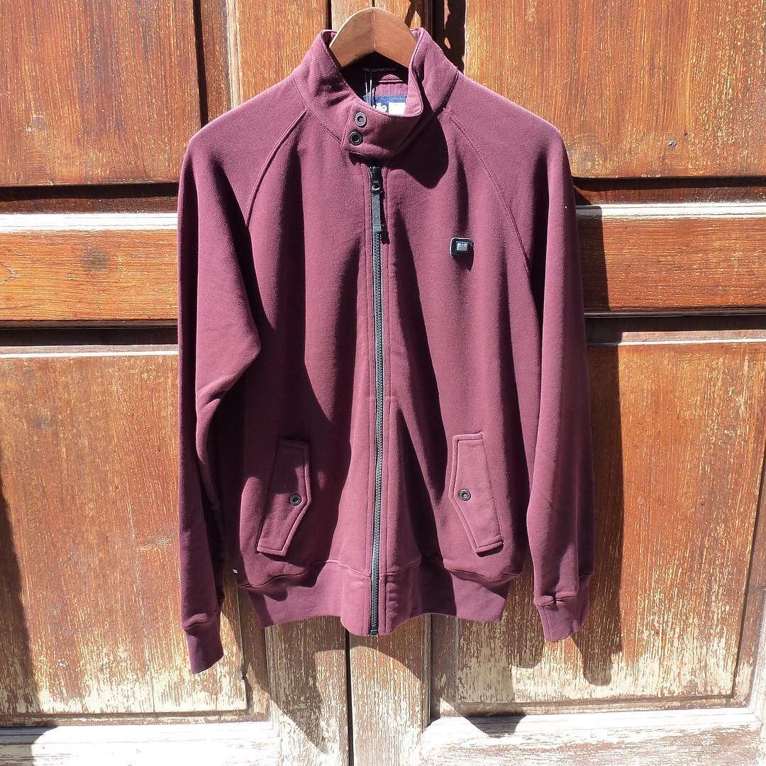 Harrington muy especial de  @weekendoffender a un precio inmejorable C/ Cano 5 #LasPalmas de #GranCanaria  http://ift.tt/1lUh2Zo  #bexclusive #befunwear  // #clothing #boy #man #urbanwear #shorts  #accesories #sunglasses  #tshirt #sweatshirt #outfit #blogger #trend #shop  #sneakers #trend #trendy #urbanstyle #streetstyle  #streetwear #look  #style #men #RegalizFunwear #lpgc #lp