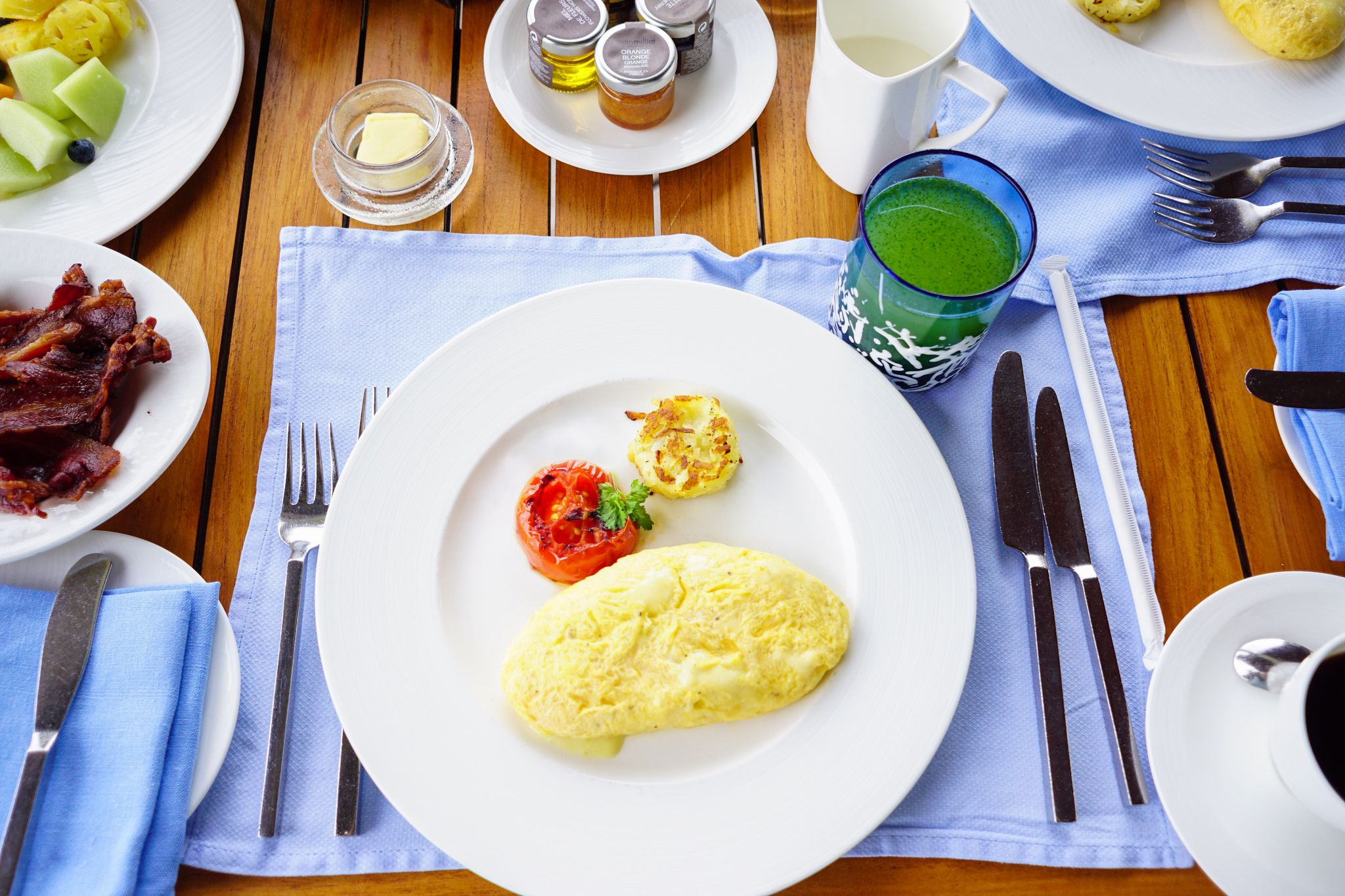 https://flic.kr/p/BKgcn6 | breakfast on the table
