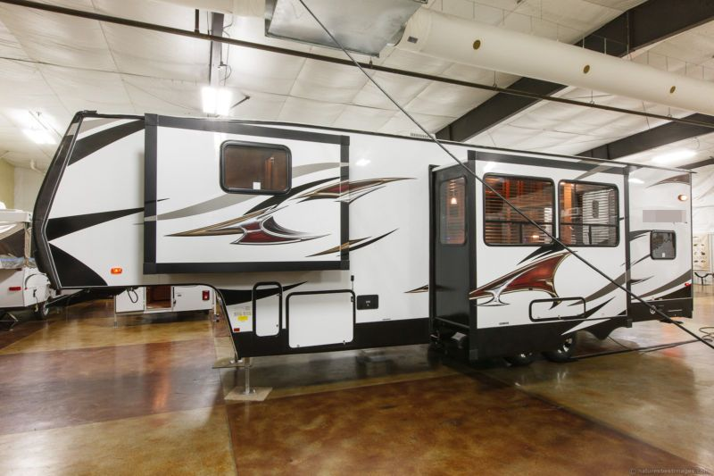 Pin By Kathy Posey On Motor Homes Motorhome Living Fifth Wheel Toy Haulers Small Cabin