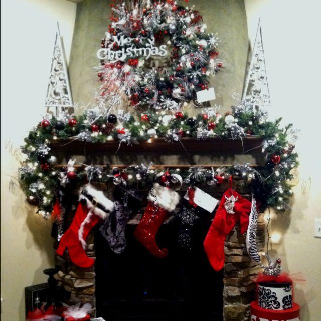 Christmas fireplace mantle Pretty \ cute Pinterest