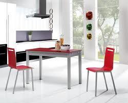 Mesa y sillas rojas dise o sencillo y moderno para for Sillas de cocina rojas