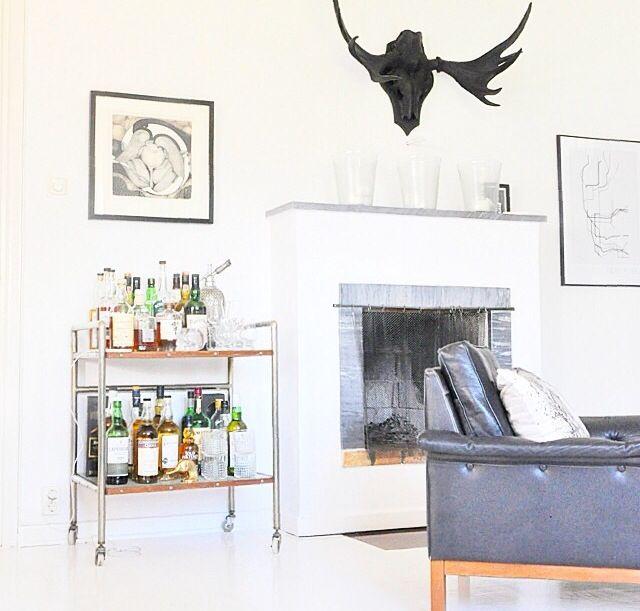 Servierwagen mit Getränken fürs Wohnzimmer Dekoration - dekoration fürs wohnzimmer