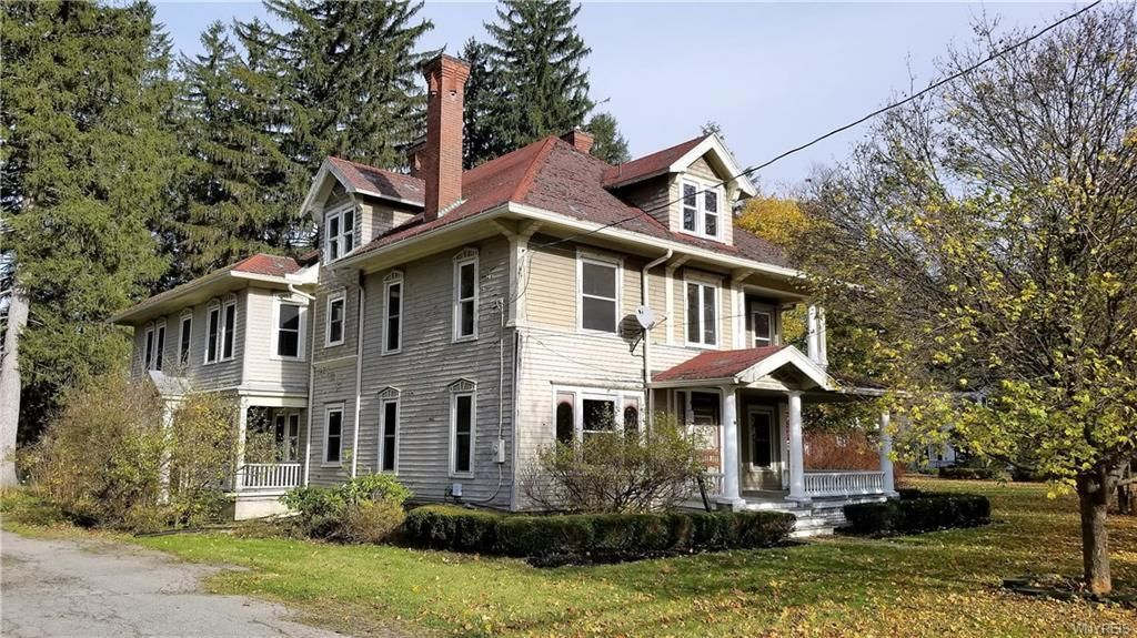 c.1900 Foreclosure with 1.3 Acres in Belmont NY Under