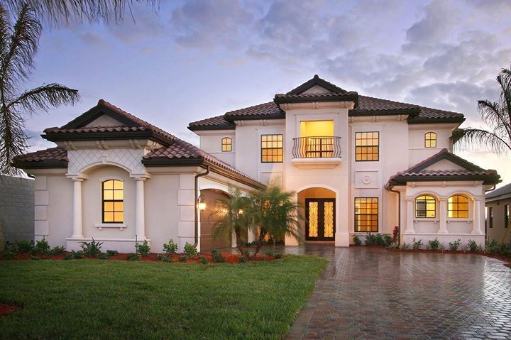Lennar home- Would love to drive up to this and it's mine. It has a comfortable feel.