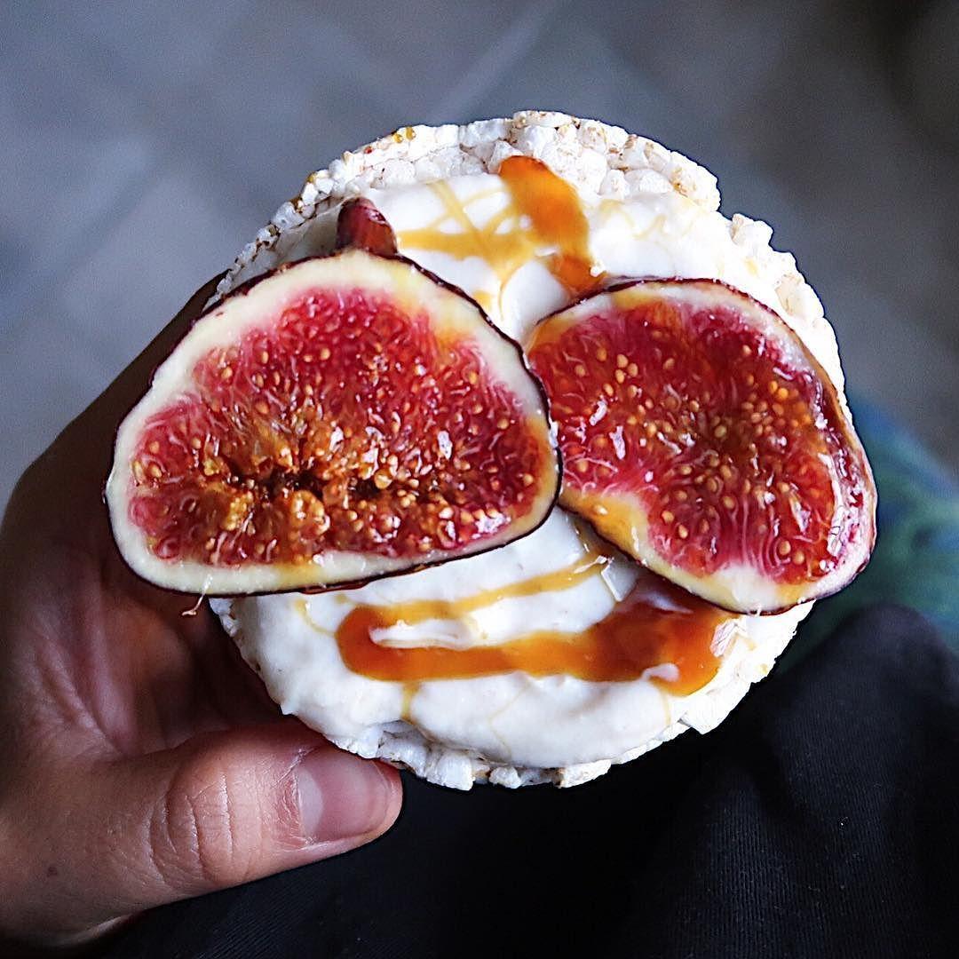 Look at this beauty  vegan cream! Recipe on the website.  قشطة نباتية! الوصفة بالموقع  وصفة قديمة. فاحسن شي تبحثون عنها في الشريط الموجود في اخر الموقع  Sukkarilife.com