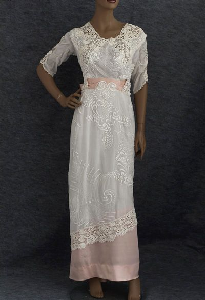 Hand-embroidered tea dress trimmed with Irish crochet, c.1910    If you click through you can see exquisite details